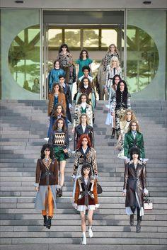 Sfilata Louis Vuitton Kyoto - Pre-collezioni Primavera Estate 2018 - Vogue