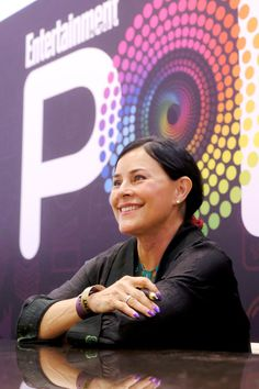The day I met Diana Gabaldon, the woman who gifted us Outlander - A fangirl's experience meeting Outlander's Diana Gabaldon at the Entertainment Weekly PopFest in Los Angeles