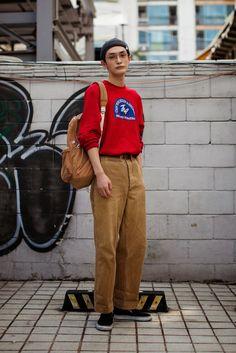 On the street. Asian Men Fashion, Fashion Men, Street Fashion, Hat Men, Hats For Men, Ysl, Men Street, Street Wear, Men's Apparel