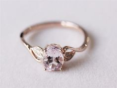 100+ Simple Vintage Engagement Rings Inspiration https://bridalore.com/2017/05/03/100-simple-vintage-engagement-rings-inspiration/ #vintagerings