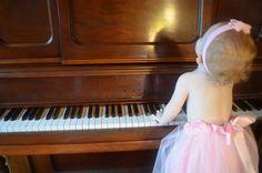 Tutu piano playing