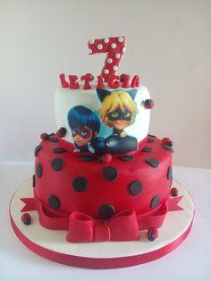 Bolo de Aniversário  LadyBug
