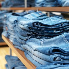 25 Things to Do with Old Jeans...boy, oh boy, I have a pile of old jeans...I am checking this out!
