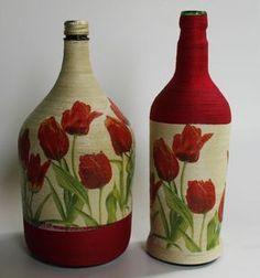 Duas garrafas decorada com barbante e decopagem de tupilas  Ideal para decorações e presentes  Poderá ser confeccionada em outras coires