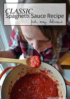 classic Spaghetti Sauce recipe/tips & tricks for perfect Spaghetti dinner Sauce Recipes, Beef Recipes, Cooking Recipes, Top Recipes, What's Cooking, Lunch Recipes, Pasta Recipes, Vegan Recipes, Italian Dishes