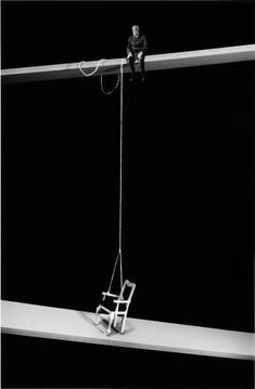 Gilbert Garcin Artiste Photographe à Marseille Set Design Theatre, Stage Design, Gilbert Garcin, Scenic Design, Stage Lighting, Installation Art, Dark Art, Lighting Design, Sculpture