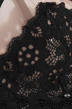 Fleur Du Mal - Tulle-trimmed Crocheted Lace Balconette Bra - Black - 3