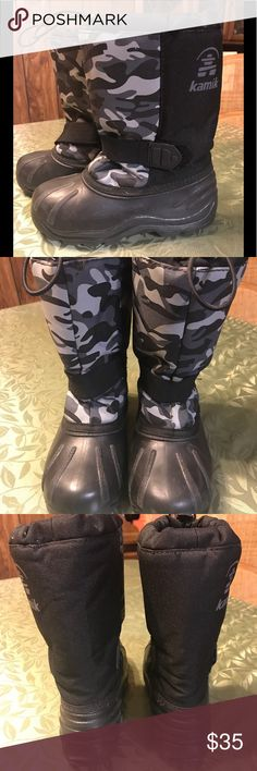 BOY KAMIK SNOW BOOTS KAMIK SNOW BOOTS FOR BOYS THEY ARE IN GREAT CONDITION AND HAVE THE INNER LINNER. SIZE 2 Kamik Shoes Rain & Snow Boots