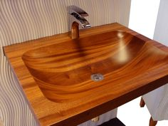 30 Incredible Wooden Sink Design Ideas For Your Home - Engineering Discoveries Wood Bathtub, Wood Sink, Wooden Bathroom, Woodworking Bench Vise, Woodworking Plans, Woodworking Projects, Woodworking Shop, Home Engineering, Got Wood