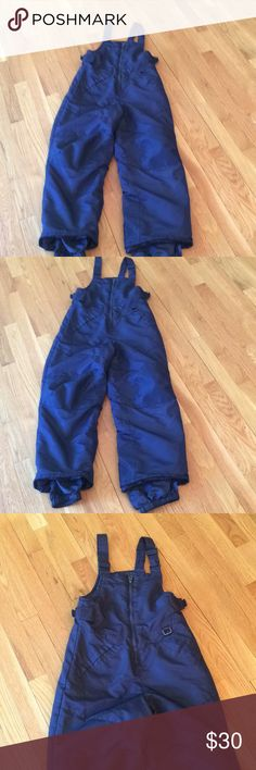 Cherokee navy blue snow ⛄️ suit kids size 8/10 This is a very nice snow suit by Cherokee navy blue in children's size 8/10 Cherokee Jackets & Coats