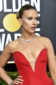 Scarlett Johansson at the 2020 Golden Globes - - Hollywood's hottest stars took the 2020 Golden Globes red carpet up about a thousand notches with all manner of sexy styles. Scarlett Johansson, Golden Globe Award, Golden Globes, Hollywood Glamour, Hollywood Actresses, Hollywood Fashion, Red Carpet Looks, Jennifer Aniston, Beautiful Celebrities