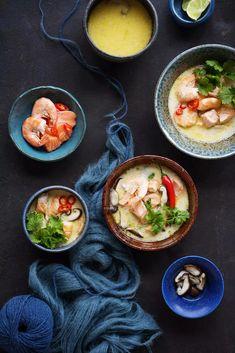 Chilillä tuliseksi silattu, kalaliemestä suolainen ja limetistä kirpeä kookosliemi sopii ihanasti thaimaalaisia makuja rakastavan hotpotiksi.