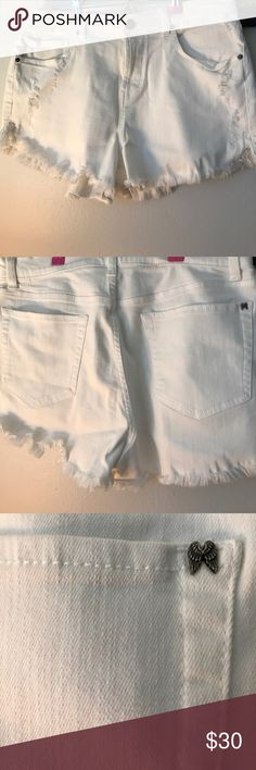 SALE SALE today!!!Victoria Secret Victoria Secret high waisted shorts in great used conditions no stains barely used Victoria's Secret Shorts Jean Shorts