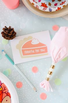 How to set up a Festive Kids Thanksgiving Table with Vanilla Gift Card Hosting Thanksgiving, Thanksgiving Crafts For Kids, Thanksgiving Parties, Thanksgiving Table, Mini Pumpkin Pies, Mini Pumpkins, Cool Writing, Kid Table, Diy Party