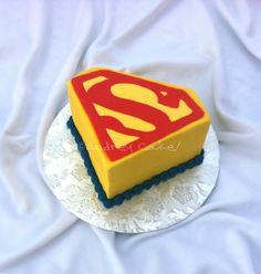 are you looking for awesome ideas to create your Superman cake or need some inspiration for it, look no further, below you can find 23 cool superman cakes Sweet Recipes, Cake Recipes, Superman Birthday Party, Professional Cake Decorating, Superman Cakes, First Birthday Cakes, Birthday Ideas, Happy Birthday, Twins 1st Birthdays