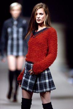 90s Fashion Grunge, High Fashion, 90s Grunge, Soft Grunge, Kate Moss, We Wear, How To Wear, Runway Models, Catwalk