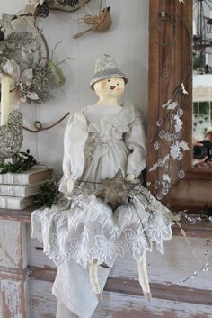 Another one of Evi's enchanting snow ladies at Pauls's home!