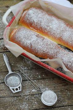 Bögrés kalács kakaósan és diósan | Rupáner-konyha Hungarian Desserts, Hungarian Recipes, Cookie Desserts, Sweet Desserts, Waffle Cake, Baking And Pastry, Special Recipes, Cakes And More, Cake Cookies
