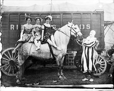 This is kind of awesome. Frederick Whitman Glasier. Clown with 3 equestrians, ca. 1903