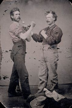 Two unidentified men with pipes, posing as pugilists (boxing) - tintypes / ux hommes inconnus, pipes à la bouche, prennent une pose de batailleurs (boxe) - ferrotype