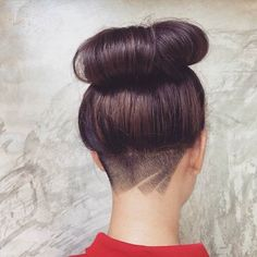There are so many undercut designs out there. We rounded up the best undercut hairstyles for women so you could find your next hair inspo. Nape Undercut Designs, Undercut Tattoos, Undercut Styles, Undercut Hairstyles Women, Undercut Long Hair, Female Undercut, Undercut Women, Undercut Pixie, Hair Tattoos