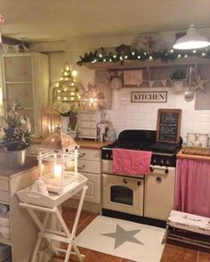 shabby chic kitchen designs – Shabby Chic Home Interiors Cosy Kitchen, Kitchen Decor, Kitchen Design, Cottage Kitchens, Home Kitchens, Country Kitchens, Cozinha Shabby Chic, Cottage Interiors, Christmas Kitchen