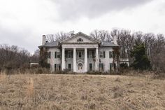 Abandoned Virginia Mansion/Plantation by tommybaboon on Flickr.