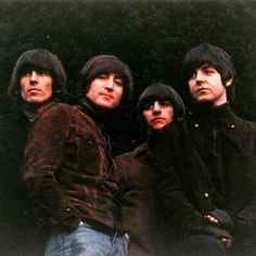 Beatles Rubber Soul full sized shot of the album cover. Love this pic ❤️Hard to believe it was 51 years ago #beatles #rubbersoul #rock #electricguitar #guitars #rocklegend