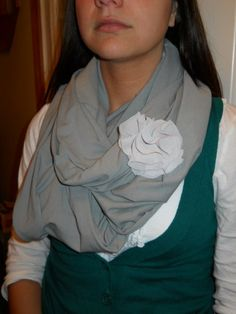 infinity scarf... i need to learn how to sew... bad!