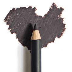 matita nera per occhi: tipi e stili di trucco da realizzare
