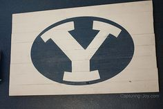 BYU sign - DIY large wall art - big impact Diy Artwork, Diy Wall Art, Large Wall Art, Wall Decor, Boys Room Decor, Kids Decor, Diy Bedroom Decor, Kids Bedroom, Diy Home Decor