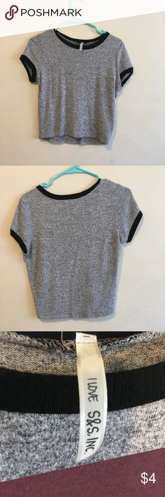 Light gray crop top with black coller Light gray crop top. Very comfy especially for hot summer days it's perfect with some shorts Tops Crop Tops