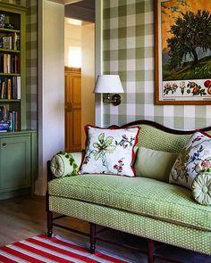 @drakeinteriors via @secretsofahostess 💚💚 #specialplace #cocooning #cocoon #livingroom #deko #dekoration #homedecor…