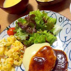 チーズハンバーグ&マカロニサラダと、昔食堂を営んでいた義祖父が炊いたタケノコと高野豆腐の卵とじ❤︎ - 47件のもぐもぐ - チーズハンバーグで晩ごはん♫ by mayaco618