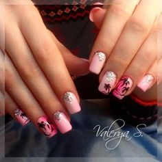 The purple-pink sunsets, shining lights of night discos and sweet kisses on a sea shore, gentle rustle of palm trees . Glitter Gel Polish, Glitter Manicure, Pink Manicure, Pink Nails, Sea Nails, Nail Art Design Gallery, Best Nail Art Designs, Fall Nail Designs, Palm Tree Nails
