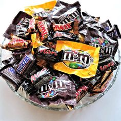 Learn how to send your candy to our troops! #halloween #halloweencandy #christmasgifts