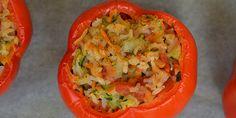 Dejlig nem opskrift på fyldte peberfrugter med ris og grøntsager. De er både sunde og lækre, og vegetarer kan også være med.