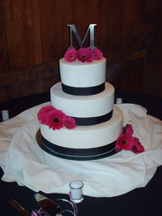 Black and Hot Pink Wedding Cake. Dif colors, with G on top maybe :)
