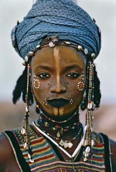 Wodaabe boy from Niger. pho by Steve McCurry
