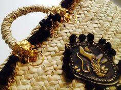 Coffa siciliana con scudo fatto a mano Sicily Italy, Sicilian, Baskets, Handbags, Bracelets, Jewelry, Fashion, Zapatos, Moda
