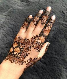Mehndi Designs Finger, Khafif Mehndi Design, Floral Henna Designs, Back Hand Mehndi Designs, Latest Bridal Mehndi Designs, Full Hand Mehndi Designs, Mehndi Designs For Beginners, Mehndi Designs For Girls, Mehndi Designs For Fingers