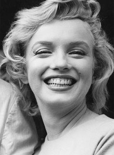 """Marilyn Monroe on her arrival in England to film """"The Prince and The Showgirl"""", July 1956."""