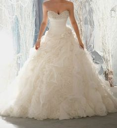 New White Ivory Wedding Dress #wedding #dress www.loveitsomuch.com