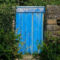 Blue door © Sabine Coe #Morbihan #tourisme #Bretagne Brittany, France, Doors, Blue, Sweet Life, Bretagne, French, Gate