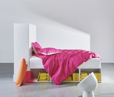 Een fris en opgeruimd najaar met nieuwe producten IKEA A fresh and tidy autumn with new IKEA products Buy Bed Frame, Bedroom Workspace, Cama Ikea, Design Simples, Bed Frame With Storage, Modular Storage, One Bed, Staying Organized, Quilt Cover