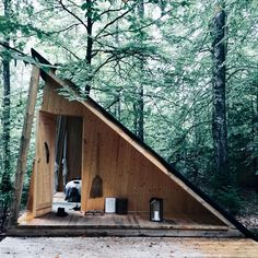Tent 9 is no tent anymore thanks to a great crew of young carpenter students that invaded the forest Tiny Cabins, Tiny House Cabin, A Frame Cabin, A Frame House, Cabin Design, Tiny House Design, Cabins In The Woods, House In The Woods, House In Nature