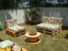 Recycled wooden pallets planks and boards are not only cheaper in terms of rated but also durable in nature, so let's reshape them to craft creative DIY wood pallet furniture designs for your home.