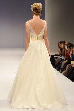 Anne Barge – Bridal Fall 2013    TAGS:Empire line, Floor-length, Train, Cream, Gold, Anne Barge, Silk, Tulle, Elegant, Princess