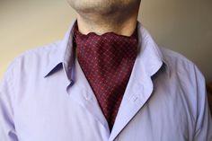 Ascot cravat.Vintage tie.silk.Red tie.Menswear accessories.Unisex silk scarf.Mens retro tie.Ascot tie.Silk ascot tie.Vintage mens wear.