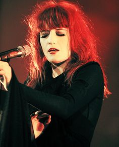 dedicated purely to the wonderful woman that is florence leontine mary welch submit/ask us stuff but please read the FAQ first! Celebrity Skin, Celebrity Photos, Florence Welsh, Eyes Wide Shut, Florence The Machines, Types Of Music, Guys And Girls, Music Bands, Redheads